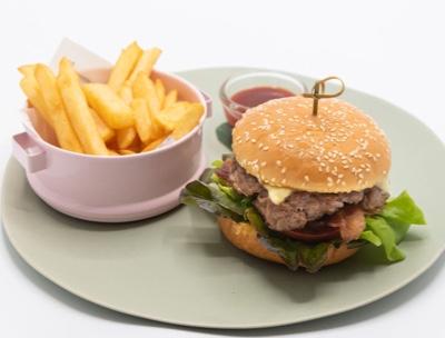 Chargrilledaustralianangusburger