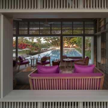 Relaxing corner main pool