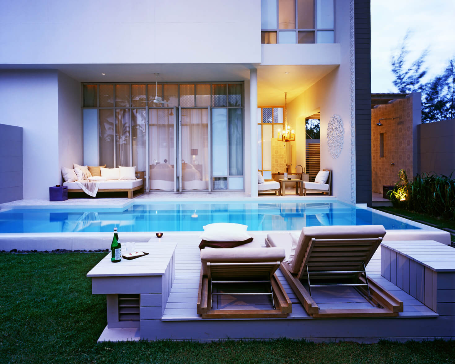 Sala phuket i luxury hotel beach front villas for Garden pool villa