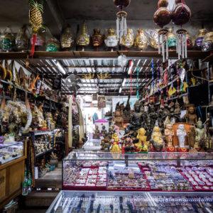SALA A Thai Amulets Market