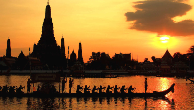 SALA RATTANAKOSIN BANGKOK OFFERS FRONT ROW SEATS FOR ROYAL BARGE PROCESSION WITH UNIQUE THAI DINING EXPERIENCE